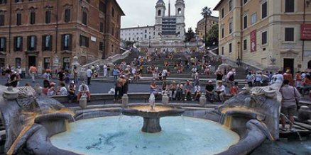 fountain near spanish steps